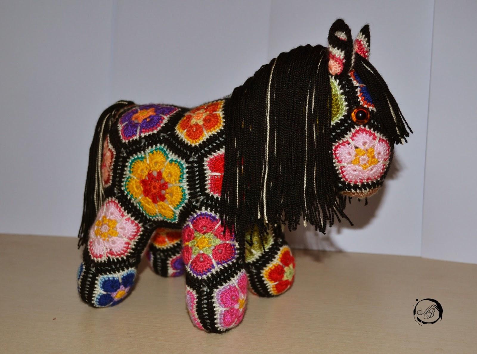 Вязаная лошадка африканским цветком описание пошагово - volokgeocentr.ru