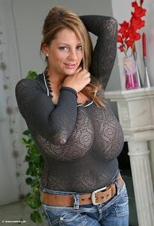 twerking girl - rs-good15-708374.jpg