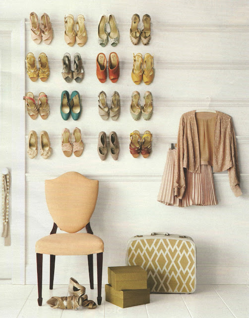 {Home} Shoe Display