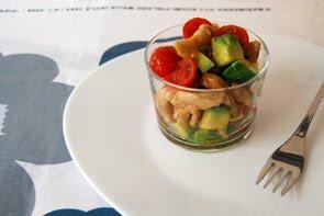 Insalata di pollo e avocado con composta di agrumi