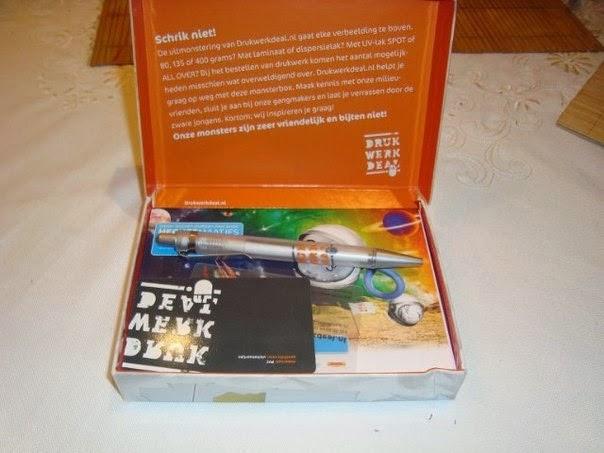 Échantillon gratuit Une boite contenant un Stylo et des cartes de drukwerkdeal