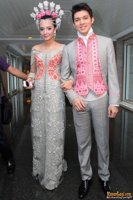 ... irwanshah dan zaskia gambar pernikahan irwansyah zaskia majlis resepsi