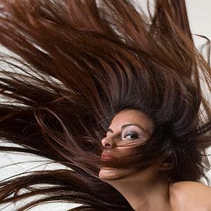 بالفيديو: ملف شامل لجمال الشعر وطوله ومنع الهيشان وتنعيمة