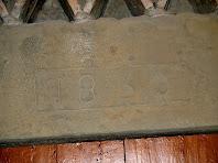 Llinda amb la data de 1830 de Can Gepic