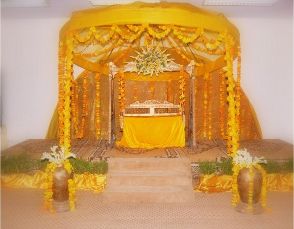 Mehndi Stage Decoration Ideas At Home : Mehandi designs world pakistan stage decoration