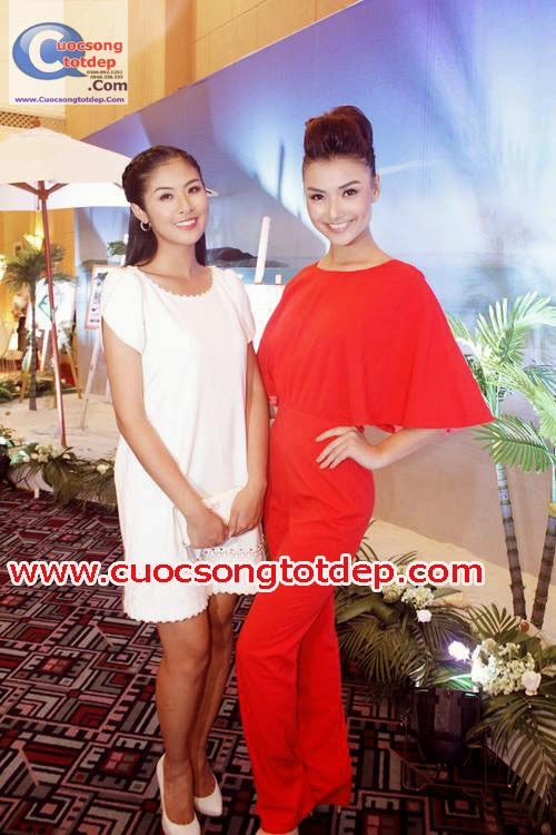 Đồ Bay Jumpsuit Chéo lưng Chữ X người mẫu Hồng Quế
