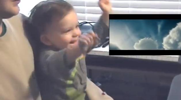 El viral del bebito fan de Supers!