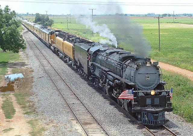 Gambar Kereta Api Lokomotif Uap Union Pacific Challenger 4-6-6-4 3985 04