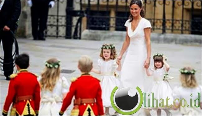 """Gaun """"Pengiring Pengantin"""" Pippa Middleton"""