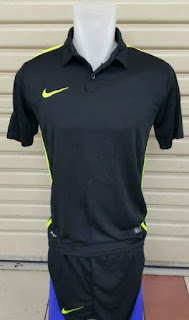 gambar detail dan toko online menjual pakaian futsal Jersey setelan futsal Nike Challenge warna hitam terbaru 2015