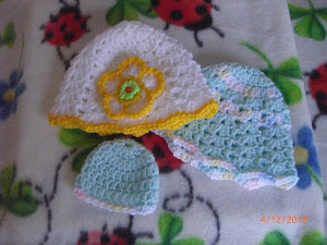 Gold trimmed preemie hat