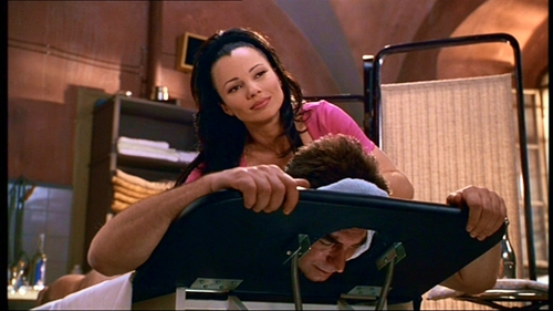The_Beautician_And_The_Beast_Fran_Drescher_become_accidently_masseur