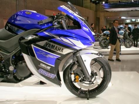 Dealer marketing sudah tahu tentang Yamaha R25 . . . 250cc . . . akhir 2014 ?