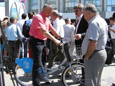 Обсуждение преимуществ велосипеда взятого напрокат