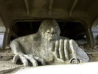 The Fremont troll loves pie