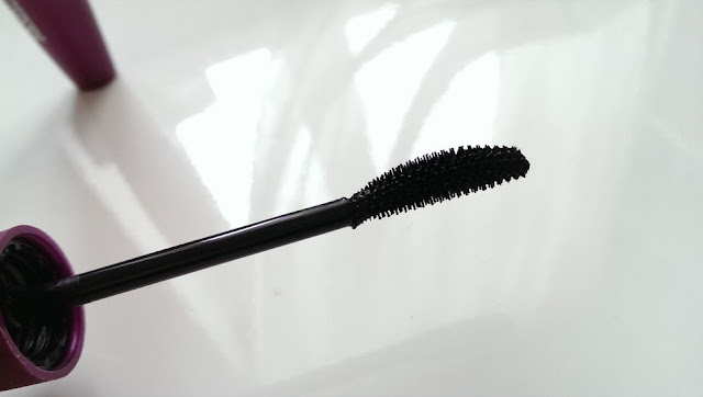 The max factor clump defy wand