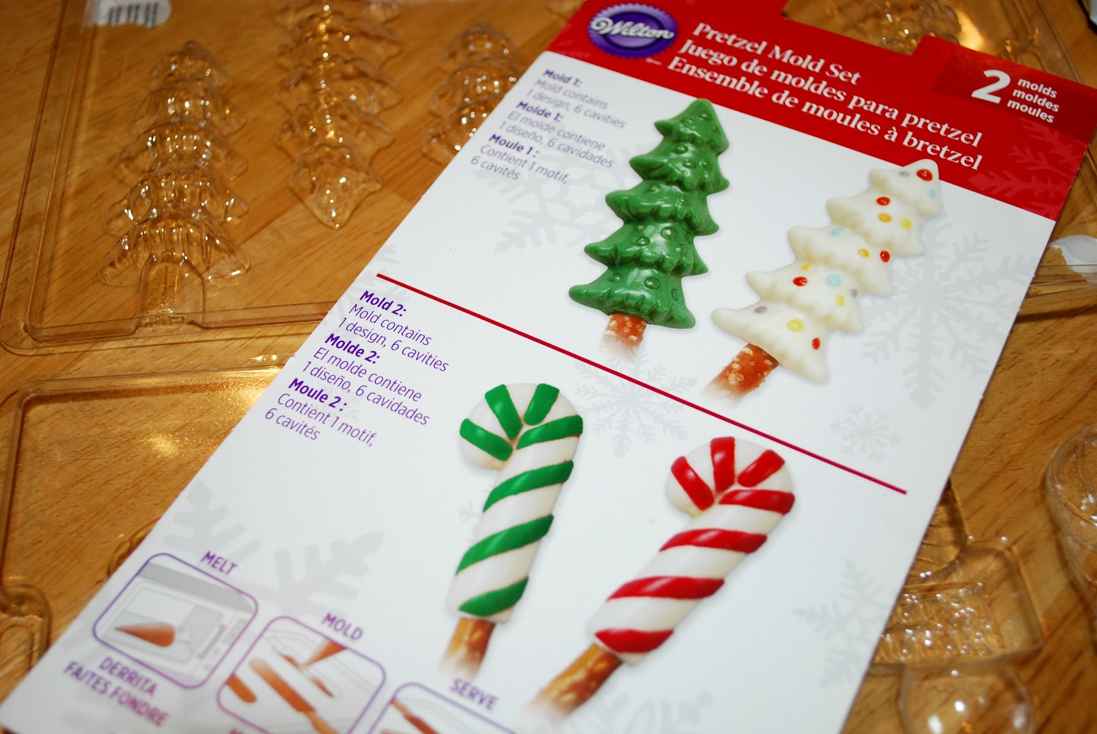 christmas chocolate covered pretzels - Christmas Chocolate Covered Pretzels
