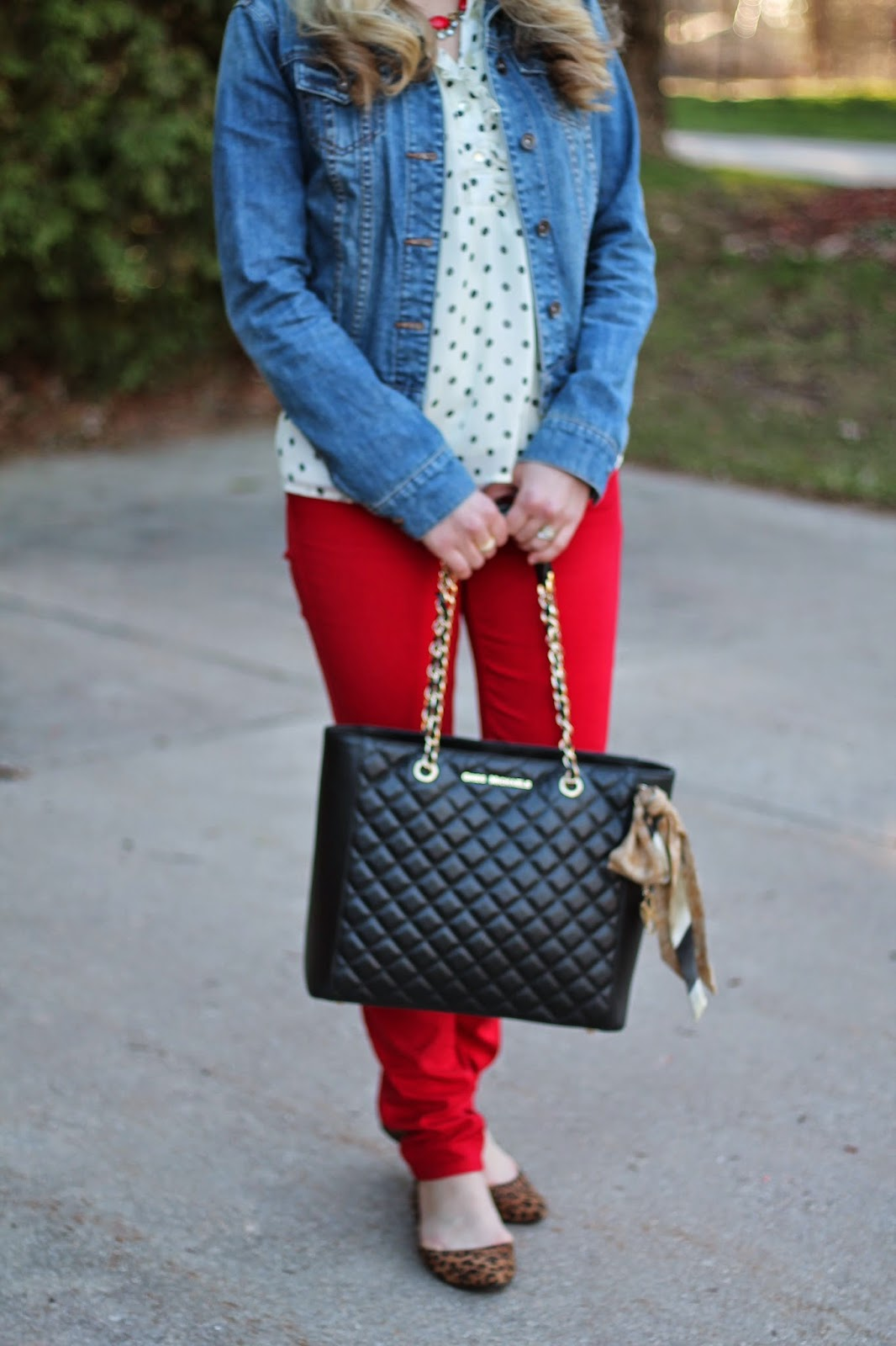 I do declaire red jeans and polka dot top red jeans polka dot top denim jacket leopard flats sisterspd