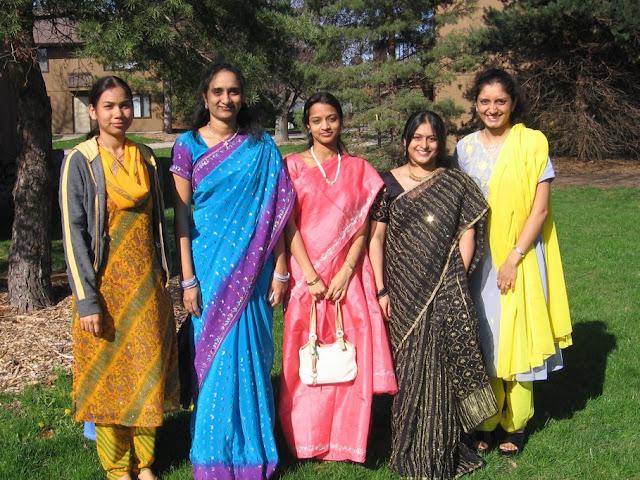 http://1.bp.blogspot.com/-stxy76mXeoQ/TWeeIO_DWFI/AAAAAAAAAFA/XHS_NbOJLVM/s1600/indian+girls+resized-720588.jpg