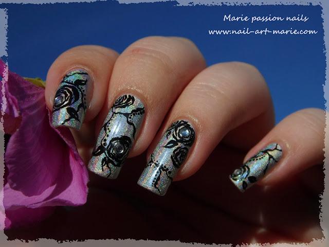 Nail Art Roses noires5