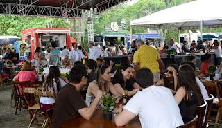 Visitantes conferem delícias da Feira das Nações – FoodTruck em Teresópolis