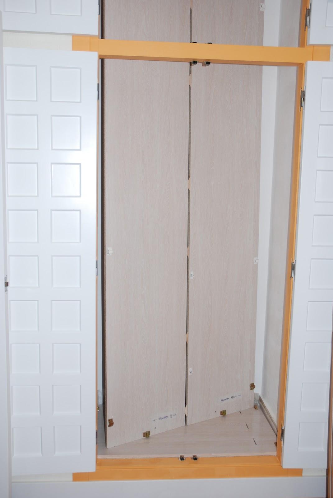 Montar armario empotrado interesting cmo hacer un armario for Papel para forrar armarios empotrados