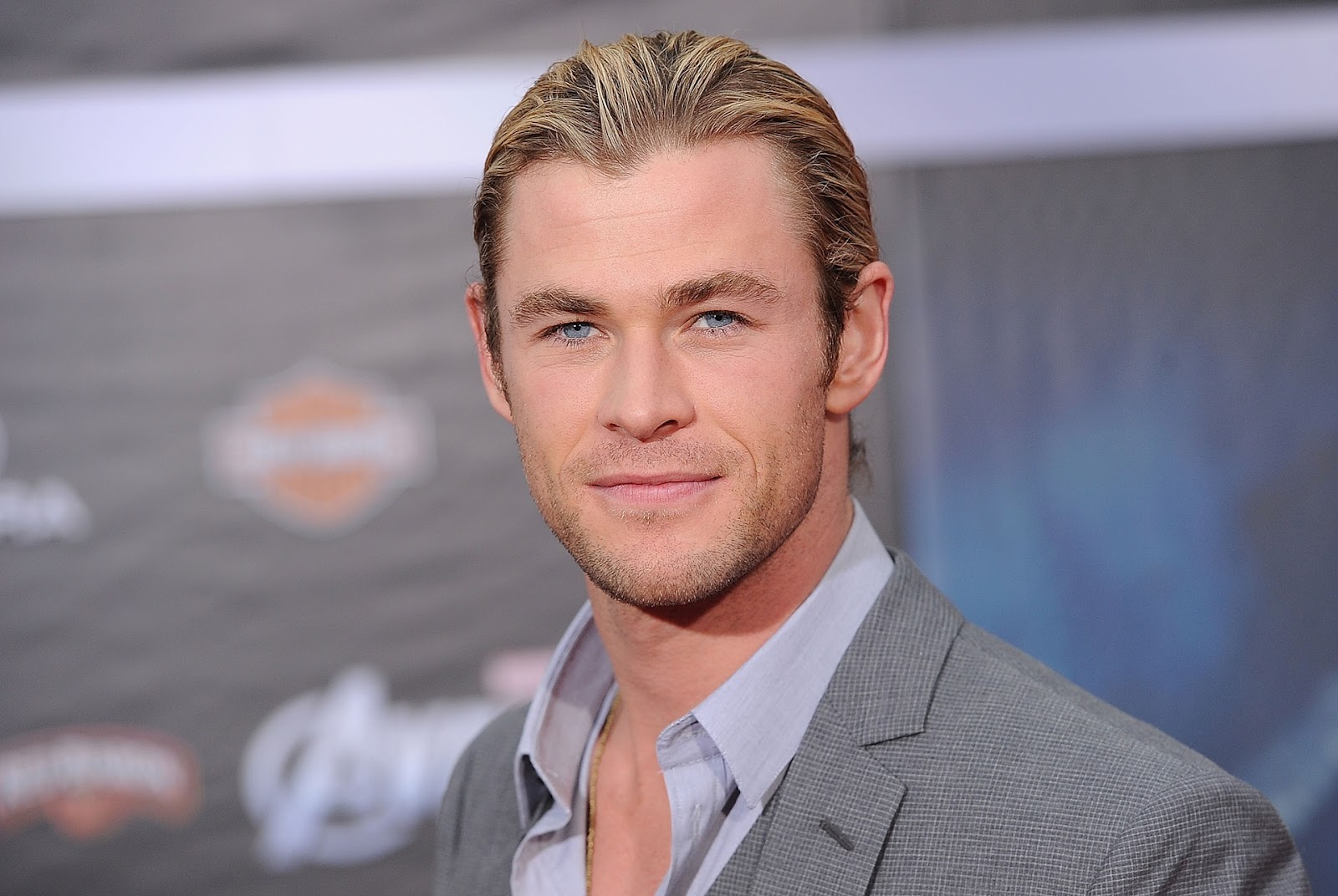 rc world australia with Felicidades Chris Hemsworth on 52769 together with Greenhouse effect L 0184 moreover Queens Birthday Honours Full 2017 10633223 together with A3 44 08 20300000821754134859081994485 further Felicidades Chris Hemsworth.