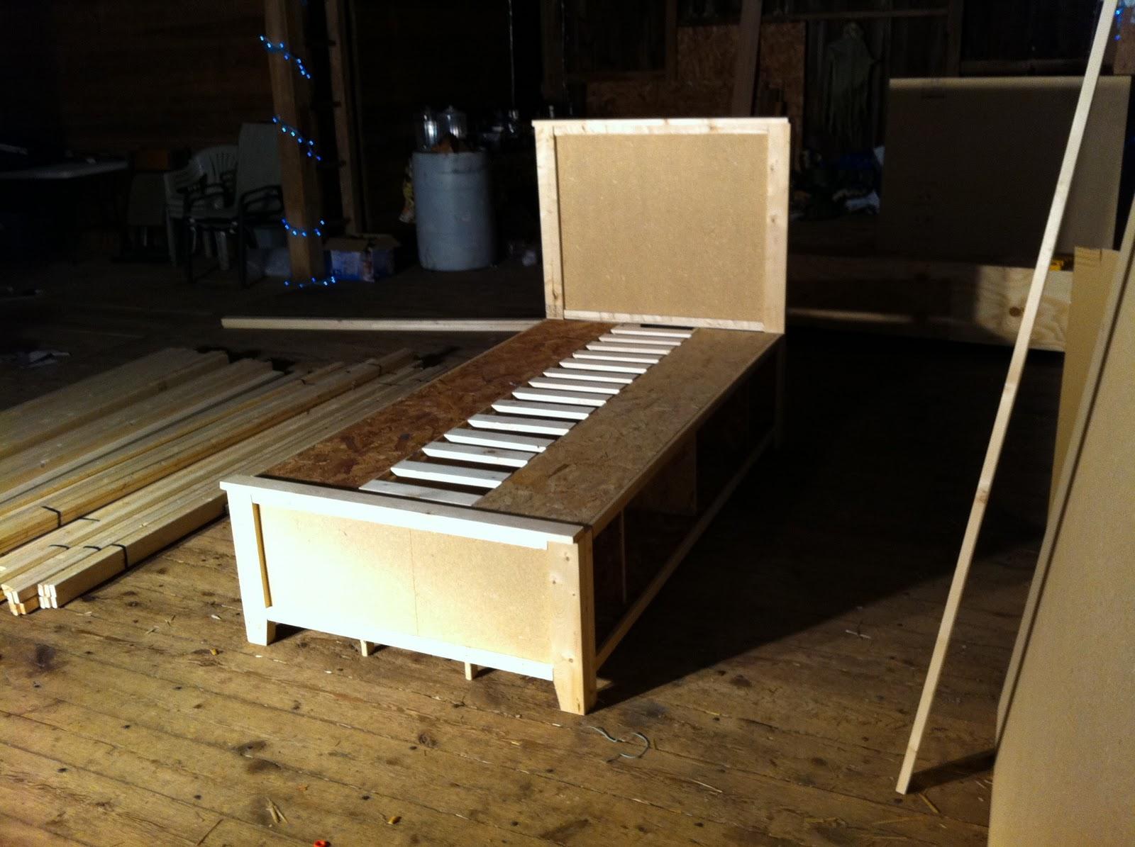 Nublognatics: DIY Twin Beds