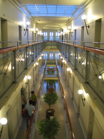 4 Hotel Mewah Yang Dulunya Penjara Mengerikan 3
