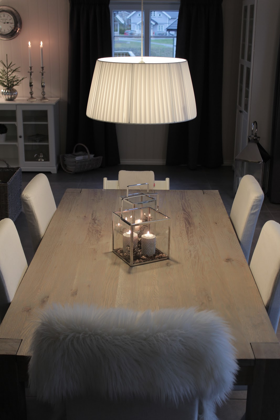 Villa Greve: Nytt spisebord - røft i grey oak.