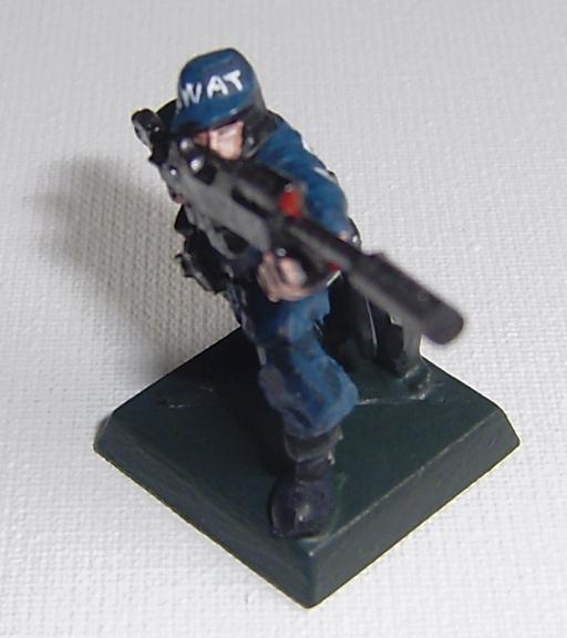 DComic: WARMATRIX, Bando de las máquinas: SWAT con escopeta y ...