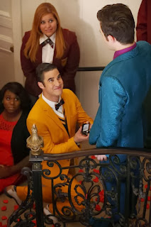 Review-Glee-5x01_Love-Love-Love_Kurt-Blaine_Proposal