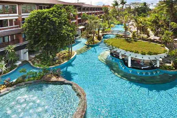 Kolam Renang Padma Resort Bali