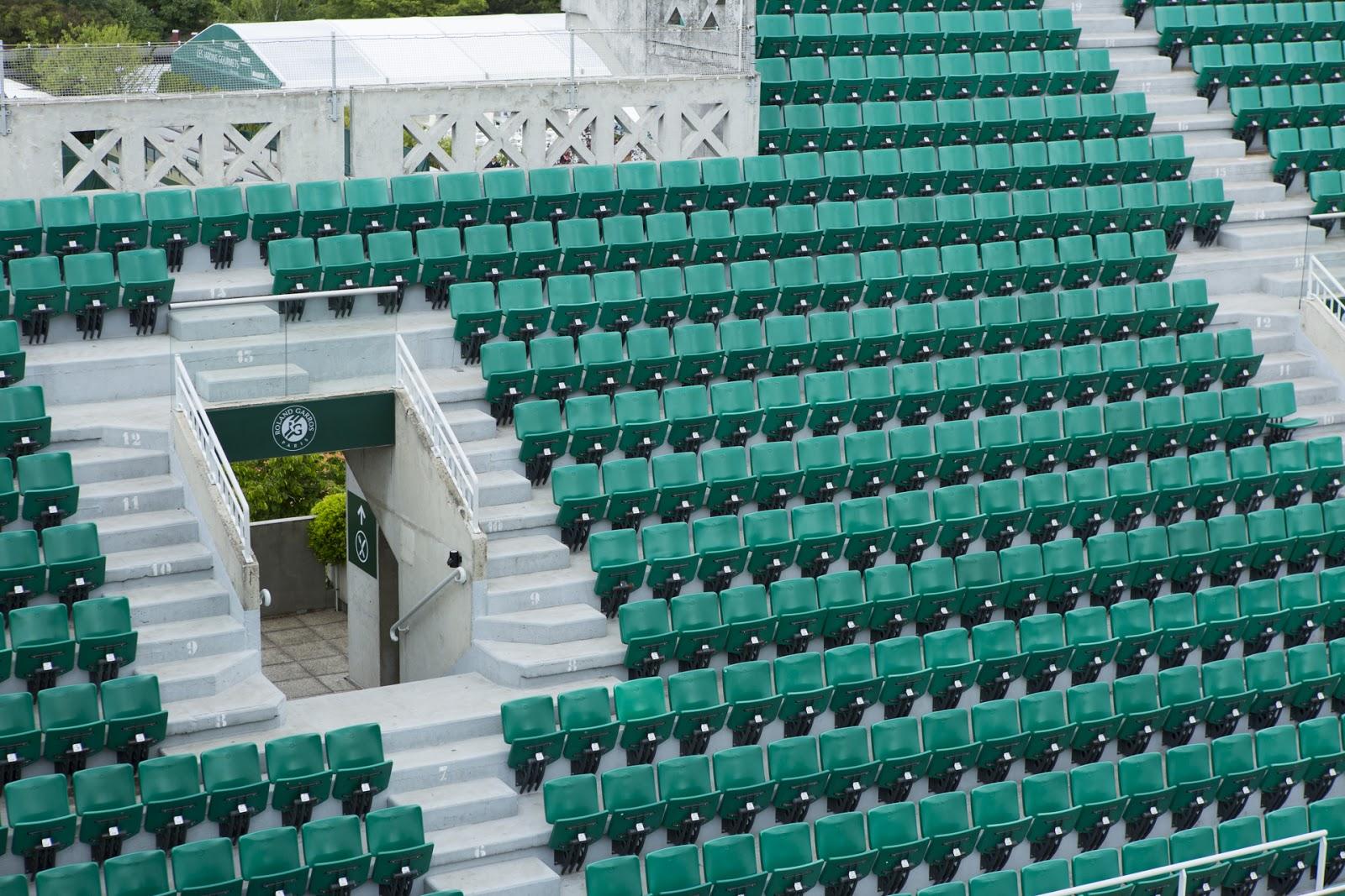 Roland Garros sièges verts lignes
