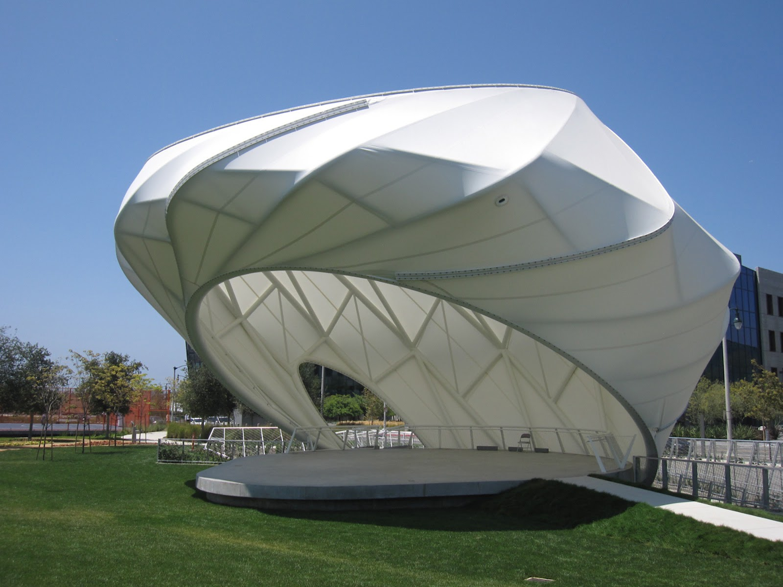Best tensile fabric shade structure bait al nokhada for Shade structures