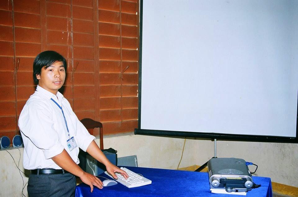 Ninh Xuân Trường thuyết trình đề tài tốt nghiệp