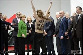foto cewek telanjang didepan presiden rusia putin