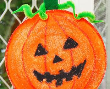 How to make a Paper Plate Pumpkin