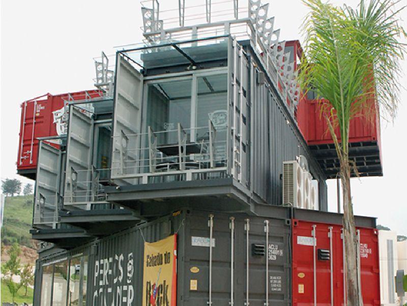 Casas contenedores perros y burros restaurante con for Casas de container modernas