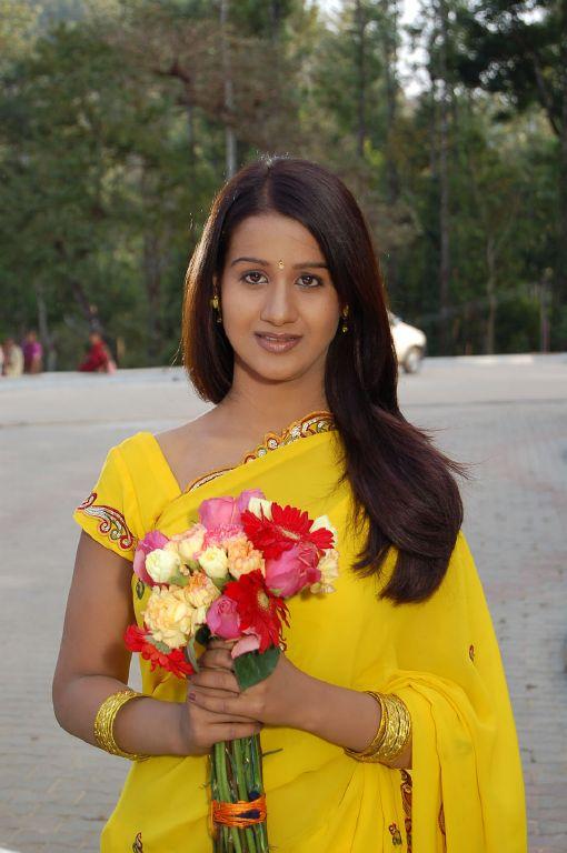 Radhika Gandhi Kannada Actress Latest Navel Stills PicsPhotogallery unseen pics