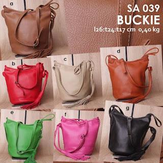 Jual Online Sling Bag Wanita Cantik Bahan Kulit Sintetis Murah - Buckie SA 039