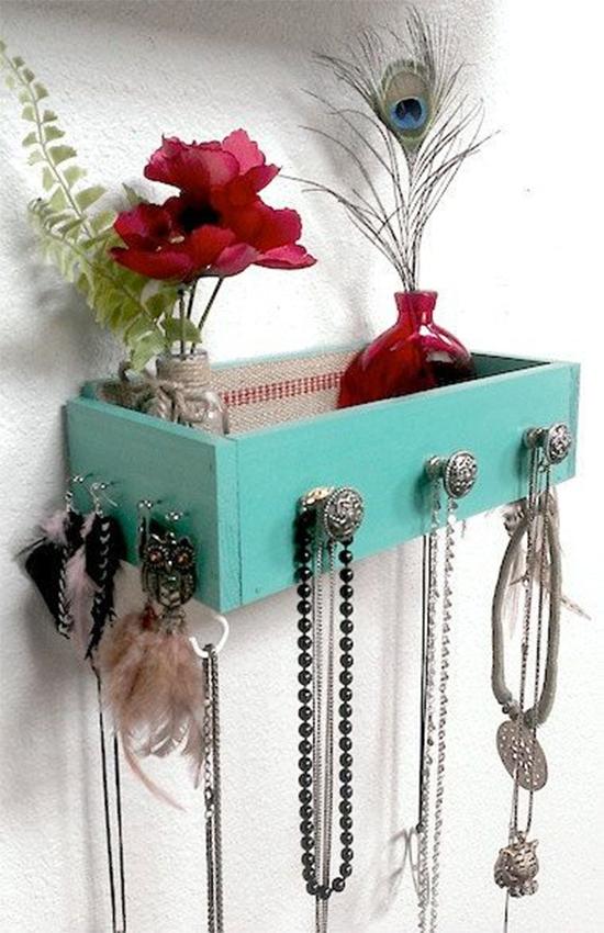 porta joias com gaveta, nicho de gavetas, estante de gaveta, gaveta reciclada, puff de gaveta velha, gaveta velha, old drawer, drawer, reciclagem, upcycling