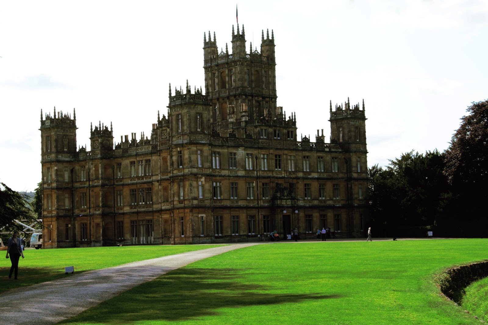 Derek winegar highclere castle downton abbey - Downton abbey chateau ...