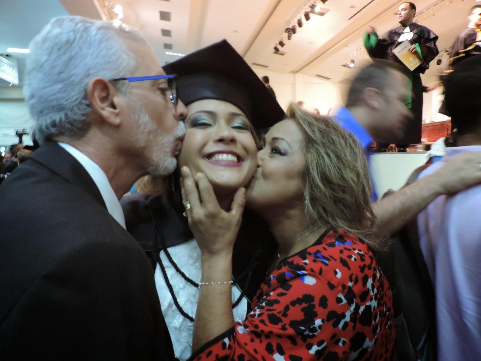 COLAÇÃO DE GRAU, ANA CAROLINA- FILHA