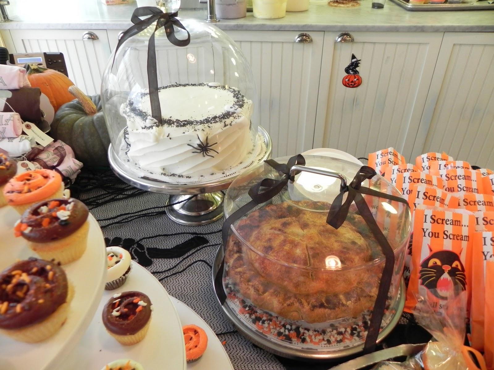 Halloween: No Tricks, Just Treats at Magnolia Bakery | Yvonne