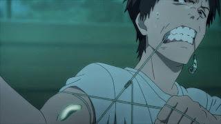 Shinichi Izumi próbujący powstrzymać pasożyta, który wniknął do prawej ręki