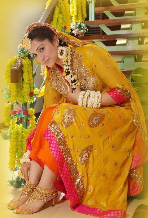 Mehndi Ceremony N Wedding : Mayun mehndi dresses send stylish beautiful