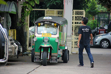 Scams in Thailand 's tuk-tuk scam