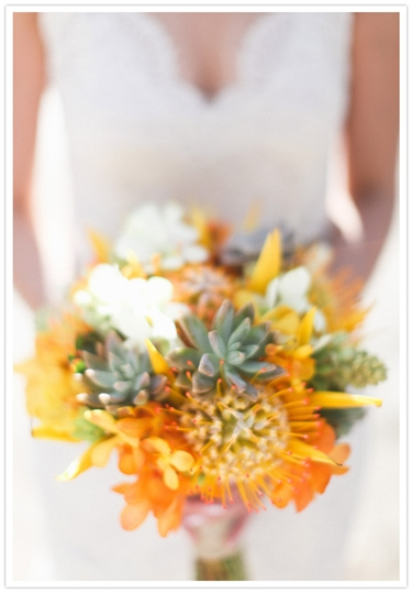 orange brudbukett, eldig brudbukett, brudbukett protea, brudbukett succulenter, orange bridal bouquet, orange wedding bouquet, bridal bouqurt succulent, bridal bouquet pin cushion