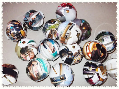 I Am The Paper ShaperHow To Make Paper Christmas Baubles